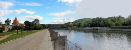 Am Main-Donau-Kanal bei Berching