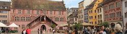Mulhouse, Place de la Réunion mit Rathaus
